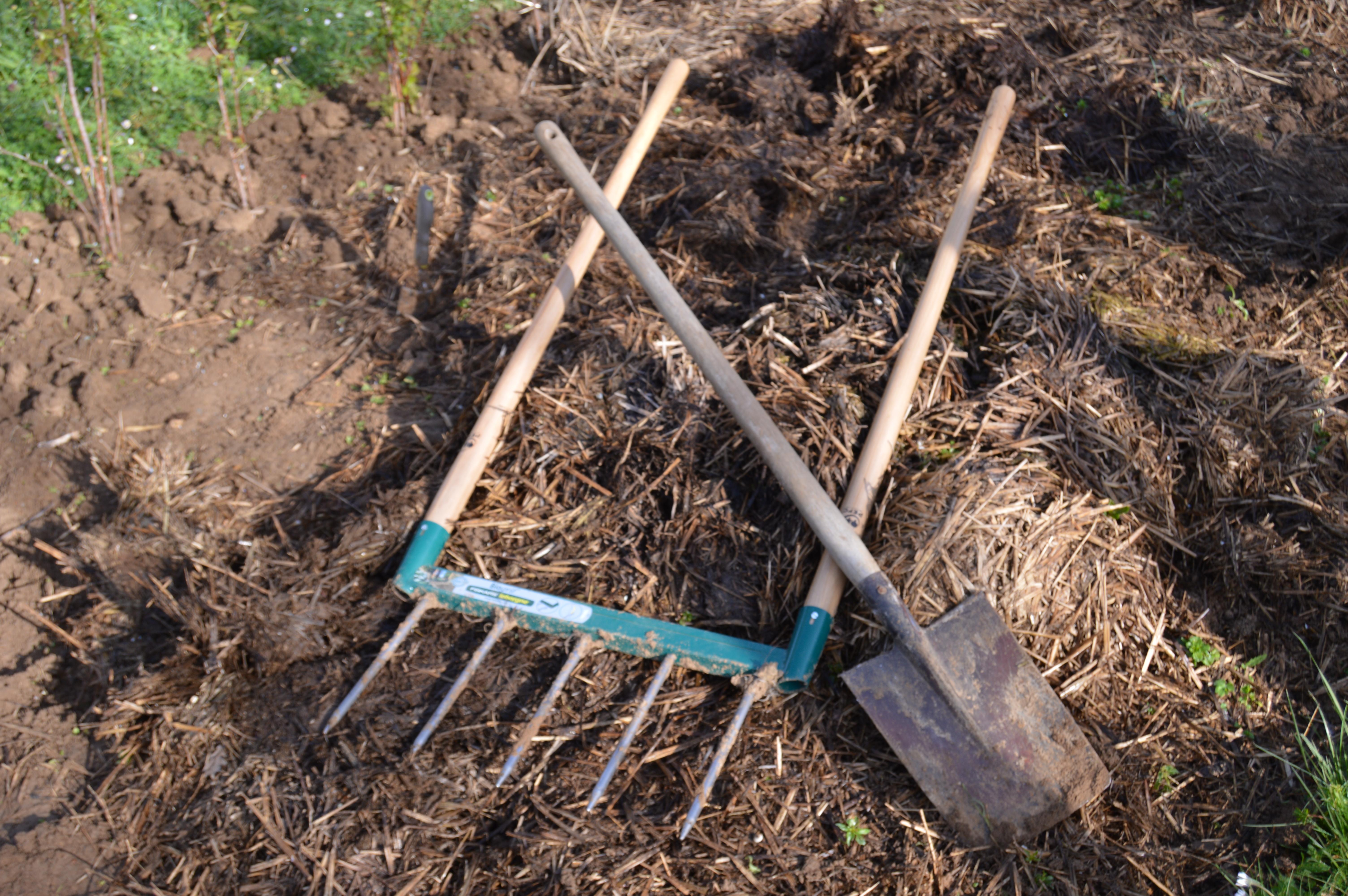 Grelinette pelle beche le match jardins non remarquables - Beche de jardin ...